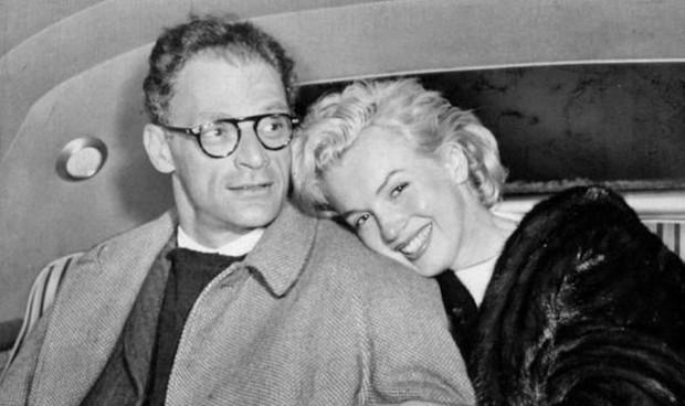 Bi kịch biểu tượng sex Hollywood Marilyn Monroe: Mẹ hóa điên, 5 lần 7 lượt bị xâm hại, 3 lần qua đò và cái chết bí ẩn - Ảnh 6.