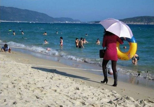 """Những hành động kỳ quặc của du khách khi đi biển sẽ khiến bạn phải kêu trời: """"Tức mà không nói lên lời luôn á!"""" - Ảnh 15."""