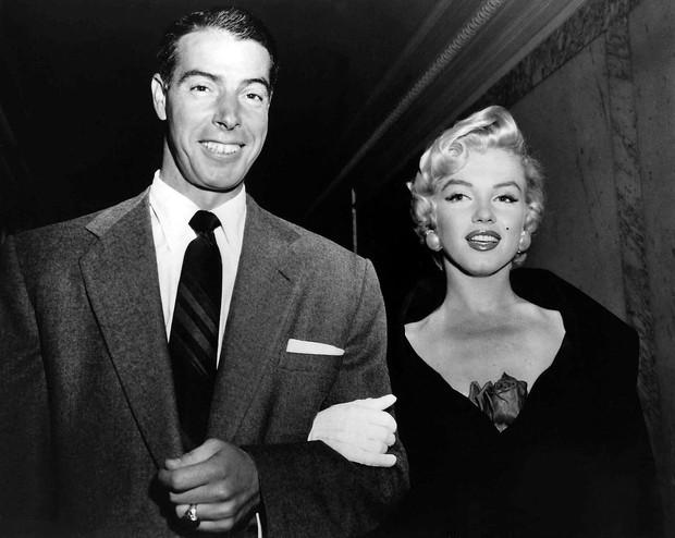 Bi kịch biểu tượng sex Hollywood Marilyn Monroe: Mẹ hóa điên, 5 lần 7 lượt bị xâm hại, 3 lần qua đò và cái chết bí ẩn - Ảnh 4.