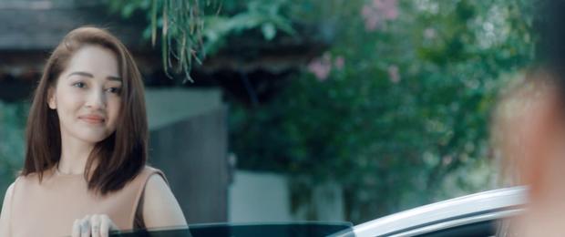 Thêm một MV của Vpop kịch bản tình yêu không có lỗi, lỗi ở bạn thân: Dương Triệu Vũ ngồi xe lăn chua xót cùng Bảo Anh nhìn bạn thân cướp vợ - Ảnh 3.