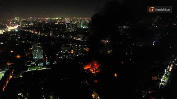 Flycam: Nhìn từ trên cao toàn cảnh vụ cháy kinh hoàng 5 tiếng đồng hồ ở công ty phích nước Rạng Đông - Ảnh 5.