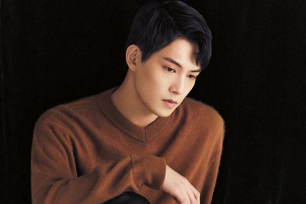 Hết bê bối chatroom tình dục đến cò cưa hotgirl, Jonghyun cuối cùng đã tuyên bố rời khỏi CNBLUE - Ảnh 1.