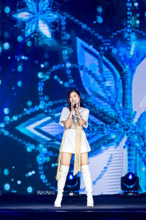 NCT Dream quá điển trai làm fan vỡ òa, bùng nổ hết mình với sân khấu đầu tiên tại Việt Nam - Ảnh 6.