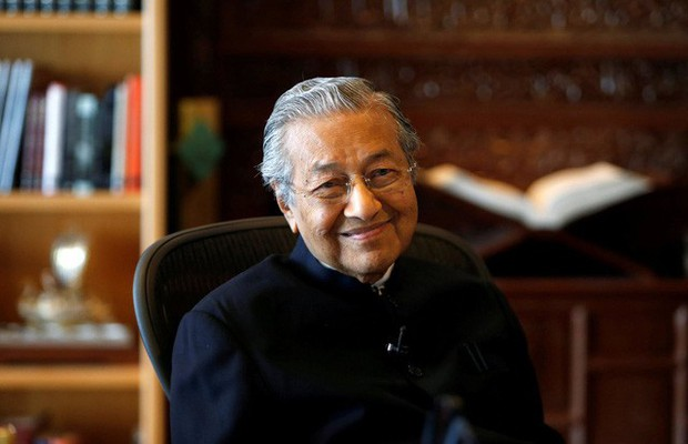 Bí quyết sống khỏe ở tuổi 94 của Thủ tướng Malaysia: Đạp xe gần 11 km, không ăn no và chỉ ngủ 6 tiếng/ngày! - Ảnh 3.