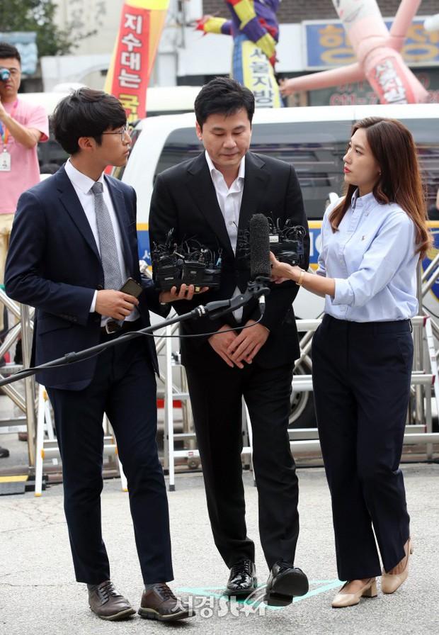 Yang Hyun Suk lần đầu chính thức lộ diện sau chuỗi cáo buộc: Chủ tịch YG quyền lực năm nào đã chịu cúi đầu! - Ảnh 5.