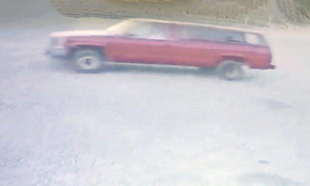 Bị nhảy xe trong lúc đang đi ăn cắp, siêu trộm ấm ức gọi cảnh sát và cái kết sầu đời - Ảnh 2.