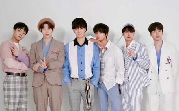 10 idolgroup gen 3 bán đĩa giỏi nhất Kpop: TWICE bỏ xa BLACKPINK để là đại diện nữ duy nhất, EXO hay BTS giữ ngôi vương? - Ảnh 9.