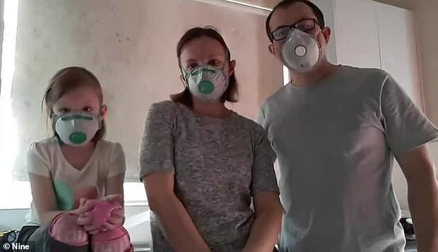 Gia đình người Úc khổ sở vì mắc đủ thứ bệnh suốt 5 năm, nguyên nhân lại đến từ chính ngôi nhà mà họ đang sinh sống - Ảnh 1.