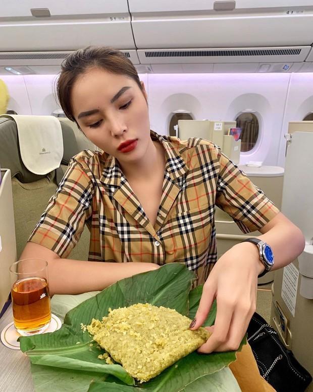 Cả Châu Bùi và Kỳ Duyên đều mê mẩn thức quà này của Hà Nội: người tự chế biến thành món ăn, người lên máy bay rồi còn cố mua vì thèm - Ảnh 7.