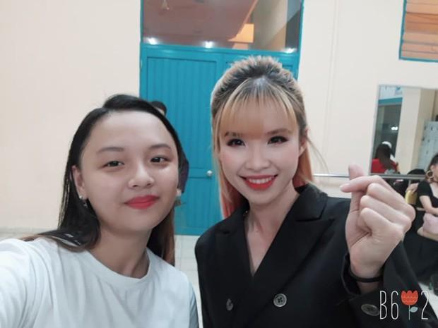 Tìm ra fan cuồng đỉnh nhất Việt Nam đạt kỷ lục selfie chung với hơn 100 celeb Việt, toàn những tên tuổi khủng showbiz - Ảnh 4.