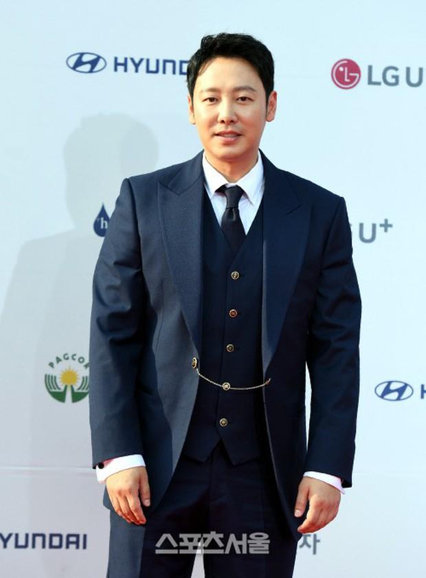 Thảm đỏ Seoul Drama Awards: Trương Ngọc Ánh - Anh Dũng tự tin, Ji Chang Wook quá bảnh, Jang Nara bị dàn mỹ nhân lấn át - Ảnh 27.