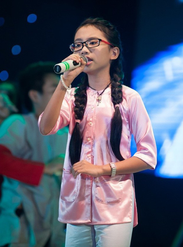 So kè nhan sắc dàn sao nhí đình đám Vbiz: Dậy thì quá xuất sắc, con gái NSƯT Chiều Xuân đặc biệt gây chú ý - Ảnh 5.