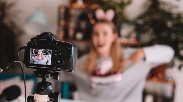 Đặc quyền nào của MXH Lotus sẽ đắt giá nhất cho các vlogger, quản lý Fanpage và người nổi tiếng? - Ảnh 2.