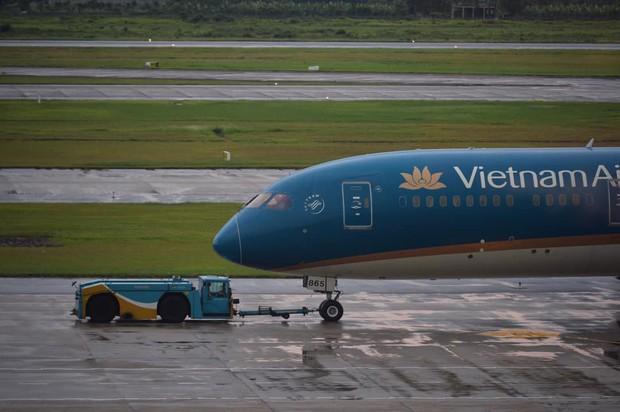 Vietnam Airlines, Jetstar Pacific hoãn, hủy hàng loạt chuyến bay do ảnh hưởng của bão số 4