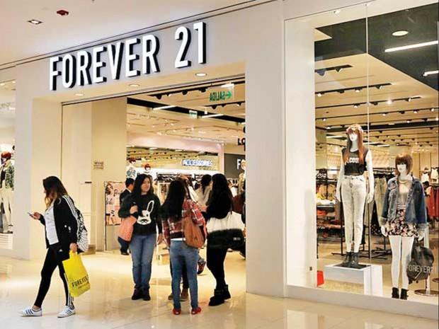 Forever 21 đứng trên bờ vực phá sản vì kinh doanh ế ẩm - Ảnh 1.