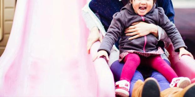 8 việc tưởng an toàn nhưng lại gây hại nghiêm trọng cho trẻ, cha mẹ thường không nhận ra - Ảnh 4.