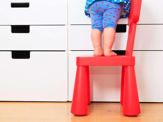 8 việc tưởng an toàn nhưng lại gây hại nghiêm trọng cho trẻ, cha mẹ thường không nhận ra - Ảnh 5.