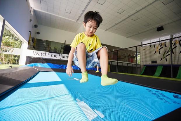 8 việc tưởng an toàn nhưng lại gây hại nghiêm trọng cho trẻ, cha mẹ thường không nhận ra - Ảnh 6.