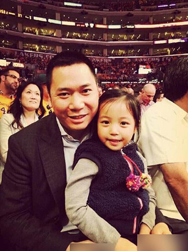 Lộ ảnh được cho là con trai 5 tuổi của Triệu Vy lần đầu lên sóng và đây phản ứng gắt của nàng Én nhỏ - Ảnh 4.