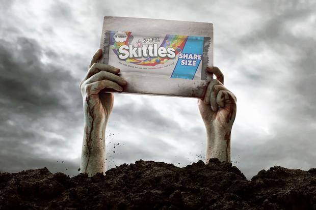 Mới sang tháng 8 mà Mỹ đã cho ra đời món kẹo nghe tên thấy rợn người để mừng Halloween sớm - Ảnh 1.