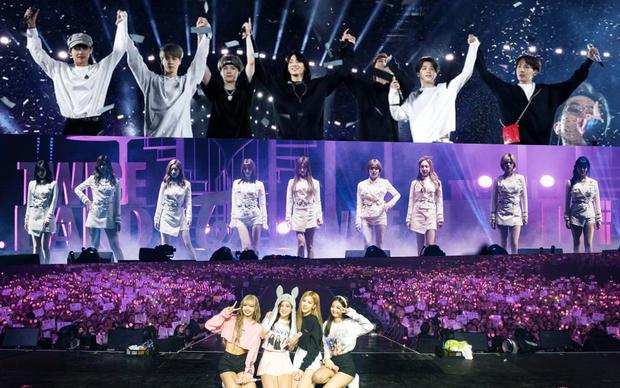 Doanh thu khủng từ các concert mới nhất của idol Kpop: BTS gấp đến 10 lần so với TWICE và BLACKPINK - Ảnh 13.