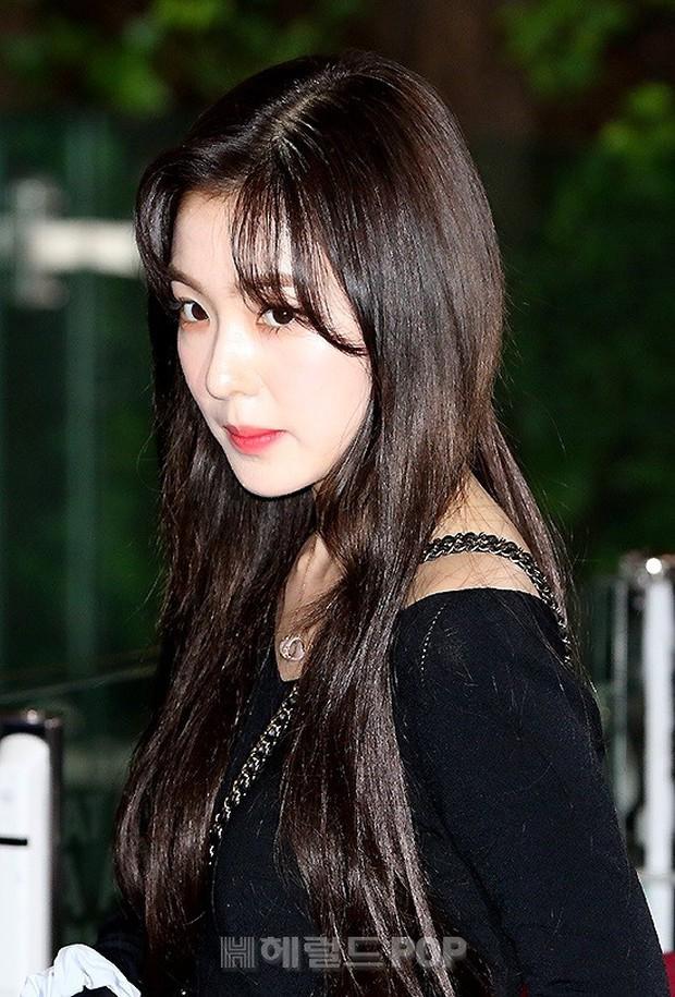 Loạt sao SM đổ bộ sân bay, Taeyeon ăn thịt đường tăng đến đẳng cấp nào mà đọ được với cả nữ thần Irene? - Ảnh 13.