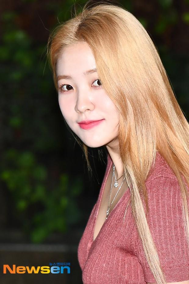Loạt sao SM đổ bộ sân bay, Taeyeon ăn thịt đường tăng đến đẳng cấp nào mà đọ được với cả nữ thần Irene? - Ảnh 15.