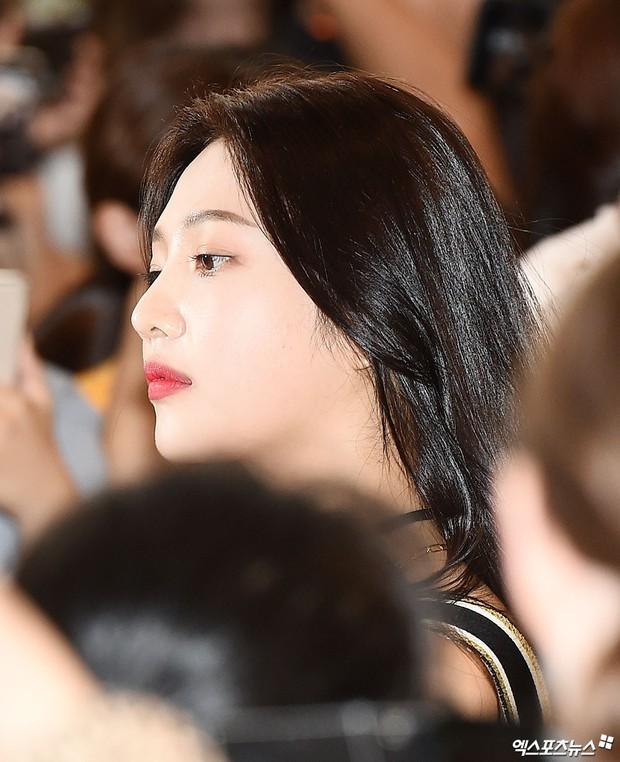 Loạt sao SM đổ bộ sân bay, Taeyeon ăn thịt đường tăng đến đẳng cấp nào mà đọ được với cả nữ thần Irene? - Ảnh 18.