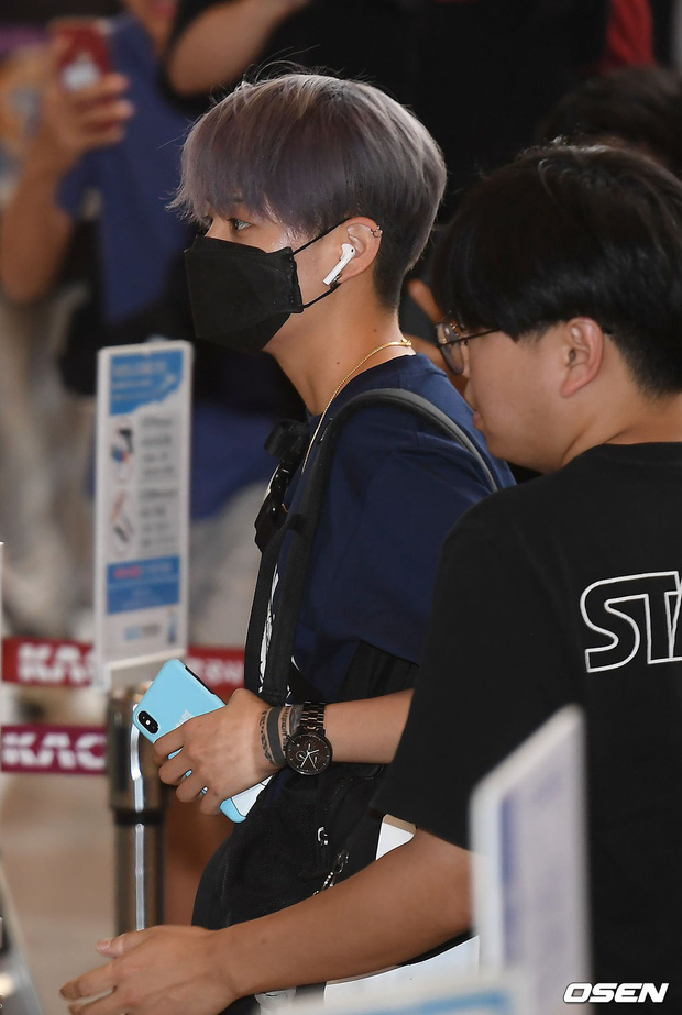 Loạt sao SM đổ bộ sân bay, Taeyeon ăn thịt đường tăng đến đẳng cấp nào mà đọ được với cả nữ thần Irene? - Ảnh 28.