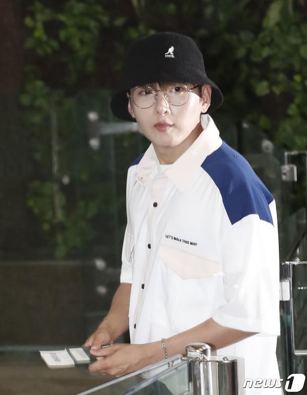 Loạt sao SM đổ bộ sân bay, Taeyeon ăn thịt đường tăng đến đẳng cấp nào mà đọ được với cả nữ thần Irene? - Ảnh 31.