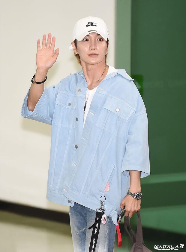 Loạt sao SM đổ bộ sân bay, Taeyeon ăn thịt đường tăng đến đẳng cấp nào mà đọ được với cả nữ thần Irene? - Ảnh 33.
