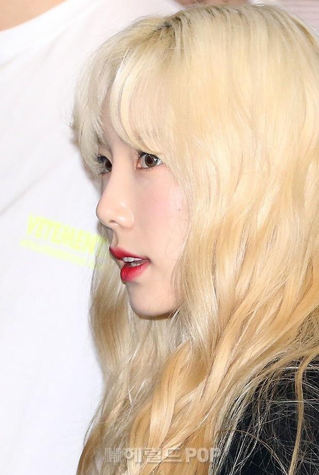 Loạt sao SM đổ bộ sân bay, Taeyeon ăn thịt đường tăng đến đẳng cấp nào mà đọ được với cả nữ thần Irene? - Ảnh 5.