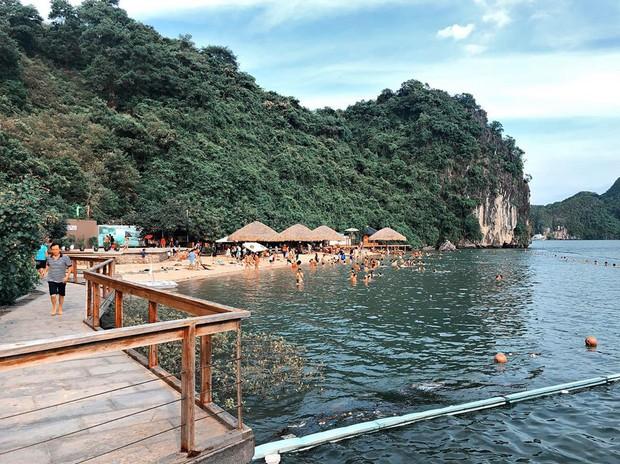 Bãi tắm Soi Sim đẹp nhất nhì Vịnh Hạ Long chính thức tạm dừng hoạt động khiến nhiều du khách tiếc nuối - Ảnh 7.