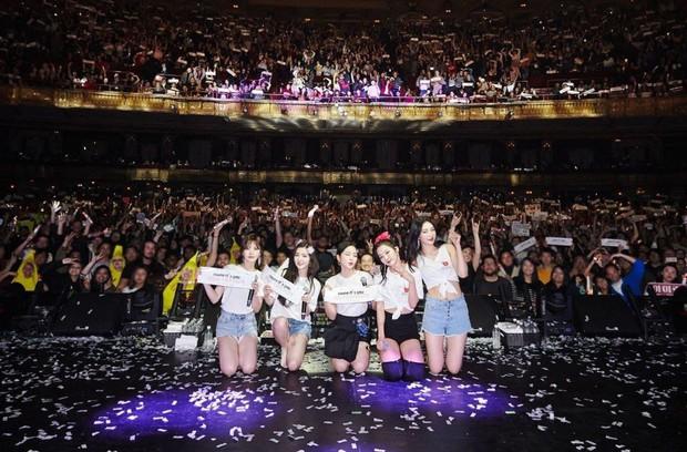 Doanh thu khủng từ các concert mới nhất của idol Kpop: BTS gấp đến 10 lần so với TWICE và BLACKPINK - Ảnh 10.