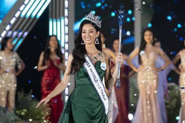Hoa hậu Thế giới Việt Nam 2019 lại là sinh viên Ngoại thương, ai dám cướp danh hiệu lò đào tạo Hoa hậu của FTU nữa! - Ảnh 1.