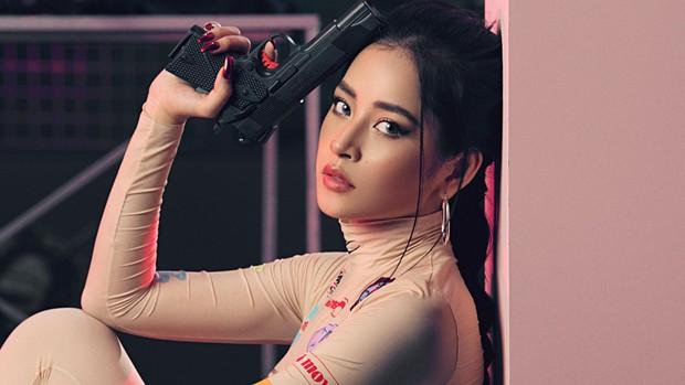 Chi Pu chính là tắc kè hoa của Vpop: Mỗi lần comeback đều thử sức với những concept khó nhai không đụng hàng - Ảnh 20.
