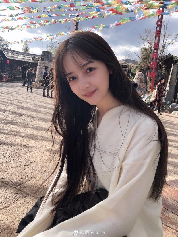 Chỉ đánh son và để tóc dài giản dị vẫn xinh ngất, chẳng trách cô sinh viên năm 2 khiến Ngô Diệc Phàm mê như điếu đổ - Ảnh 9.