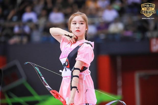 Dàn sao Hàn trong đại hội thể thao Idol: Tzuyu xứng danh nữ thần bắn cung, mỹ nam Stray Kids gây chú ý - Ảnh 10.