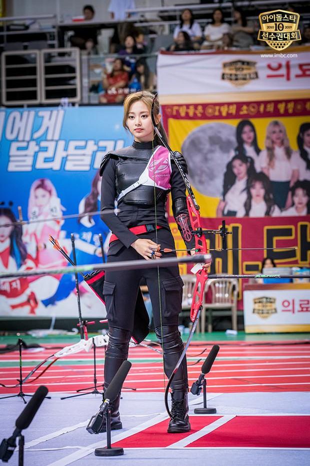 Dàn sao Hàn trong đại hội thể thao Idol: Tzuyu xứng danh nữ thần bắn cung, mỹ nam Stray Kids gây chú ý - Ảnh 3.