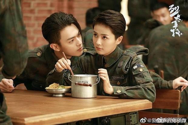 """2 cặp đôi màn ảnh được """"thuyền trưởng"""" Vu Chính đu đưa nhiệt tình, thách thức cả netizen làm gì được tui? - Ảnh 9."""