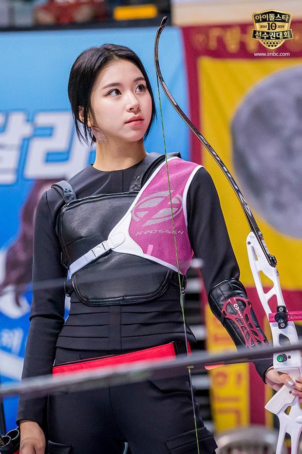 Dàn sao Hàn trong đại hội thể thao Idol: Tzuyu xứng danh nữ thần bắn cung, mỹ nam Stray Kids gây chú ý - Ảnh 8.