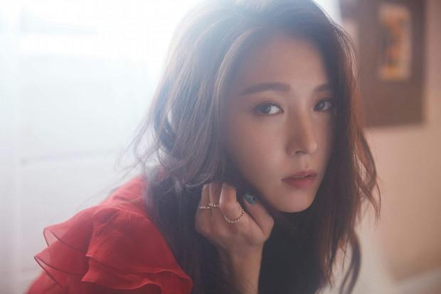 Hội idol debut từ khi còn ngồi trên ghế nhà trường: Huyền thoại Kpop ra mắt năm 13 tuổi; loạt em út nổi tiếng Jungkook, Seungri, Suzy... bước chân vào nghề khi mới 15 - Ảnh 1.