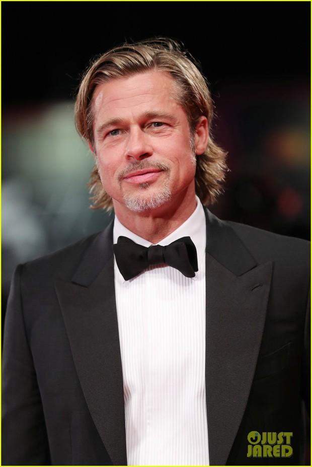 Thảm đỏ Venice quy tụ toàn sao hạng A: Scarlett mệt mỏi nhưng vẫn quá sexy bên dàn mỹ nhân, Brad Pitt quá phong độ - Ảnh 3.
