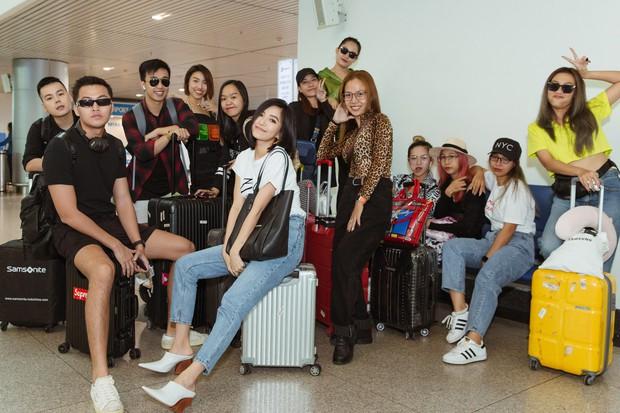 Bích Phương chanh sả xuất hiện tại sân bay sang Indonesia dự show khủng với MAMAMOO, Monsta X - Ảnh 7.