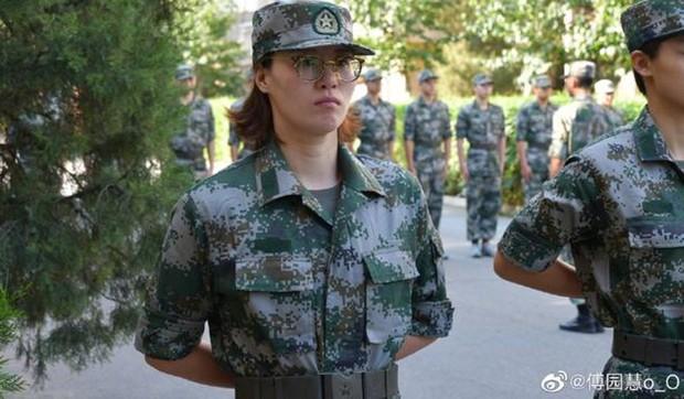 Scandal doping vẫn còn nóng, siêu kình ngư Trung Quốc bị nghi trốn trại huấn luyện quân sự - Ảnh 2.