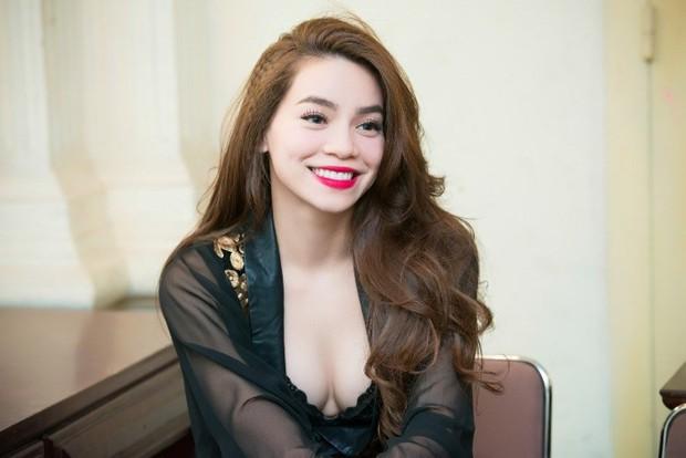 Hồ Ngọc Hà khiến netizen giật mình thon thót khi diện váy o ép, vòng 1 lại chỉ muốn trào ra ngoài - Ảnh 5.