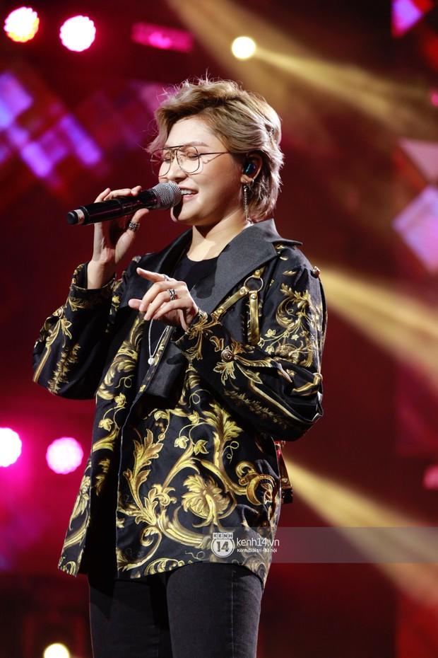 Chi Pu sắc lạnh, Ngô Kiến Huy làm fan phải truyền thái y gấp, cùng tân binh CIX và dàn sao Vpop khuấy động show diễn Hàn-Việt - Ảnh 14.
