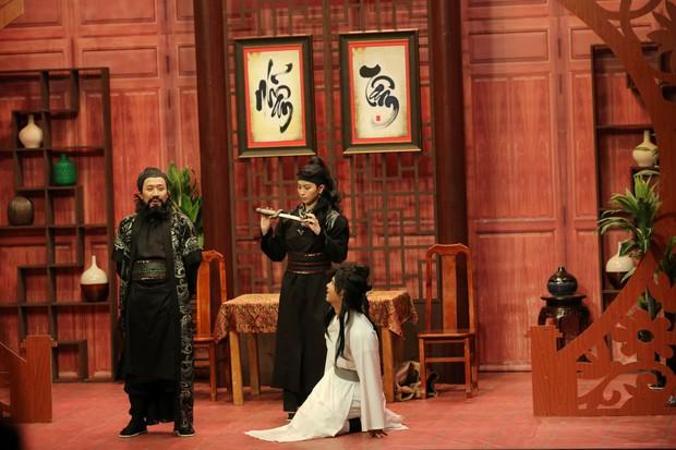 Gil Lê miễn cưỡng múa cực điệu hit Anh ơi ở lại của Chi Pu - Ảnh 4.