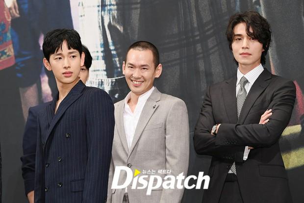 Mỹ nam tiết lộ sở thích kì lạ của Lee Dong Wook: Mỗi lần gặp phải sờ yết hầu, quên không rờ lại thấy thiếu thiếu? - Ảnh 1.