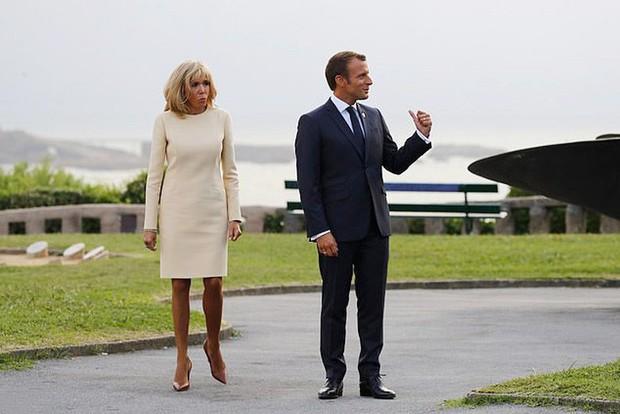 Chi hơn 400 triệu cho 3 ngày diễn ra Hội nghị G7, Phu nhân Tổng thống Pháp cũng chẳng kém bà Melania Trump ở khoản đầu tư váy áo - Ảnh 3.